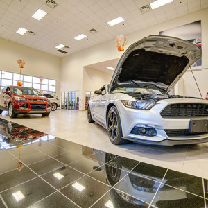 Ford Lincoln Showroom